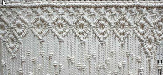 Detalle cortina macramé muestra rombos y redondel. Macrameart