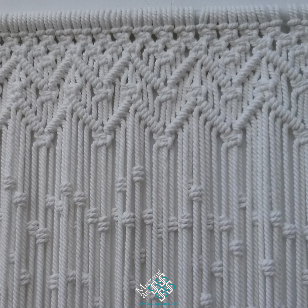 Cortina macramé modelo zig-zag blanco