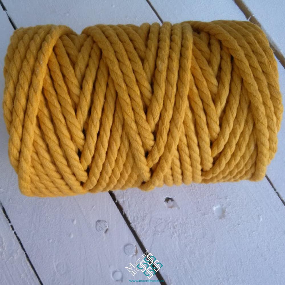 Cureda macrame color amarillo