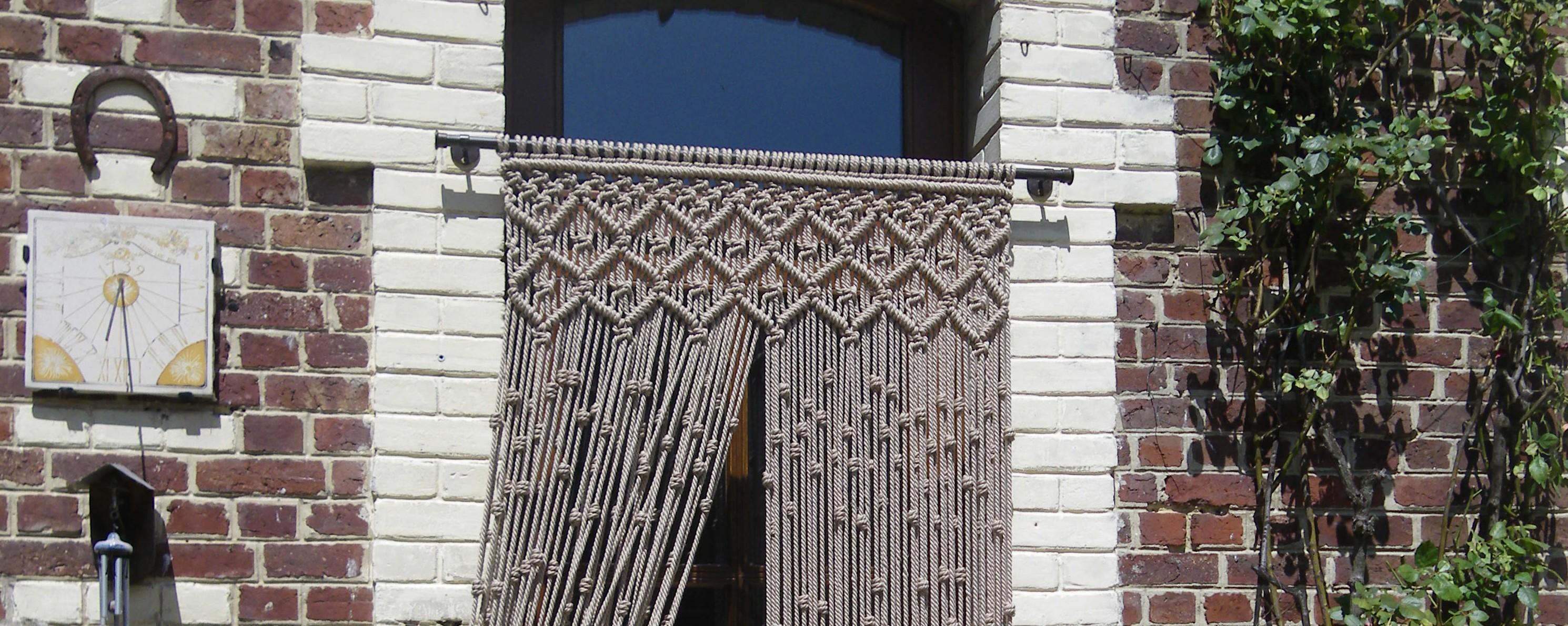 Cortina para la puerta exterior de macram macrameart for Puertas de entrada para exterior